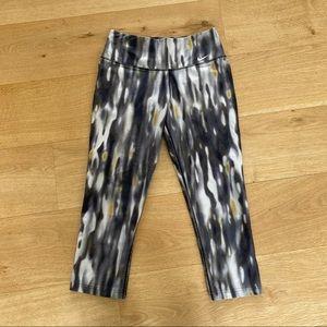 Nike Legend 2.0 Dri Fit Capri Workout Gym Pants XS